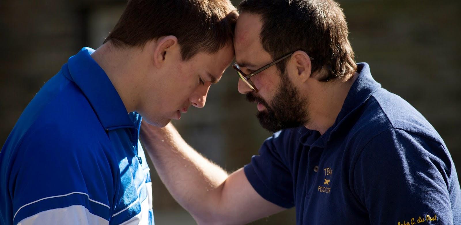 Steve Carell dá esperança a America em novo trailer do drama esportivo Foxcatcher, com Channing Tatum