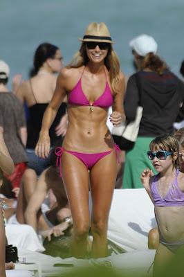 foto stacy keibler en bikini diminuto y pequeño
