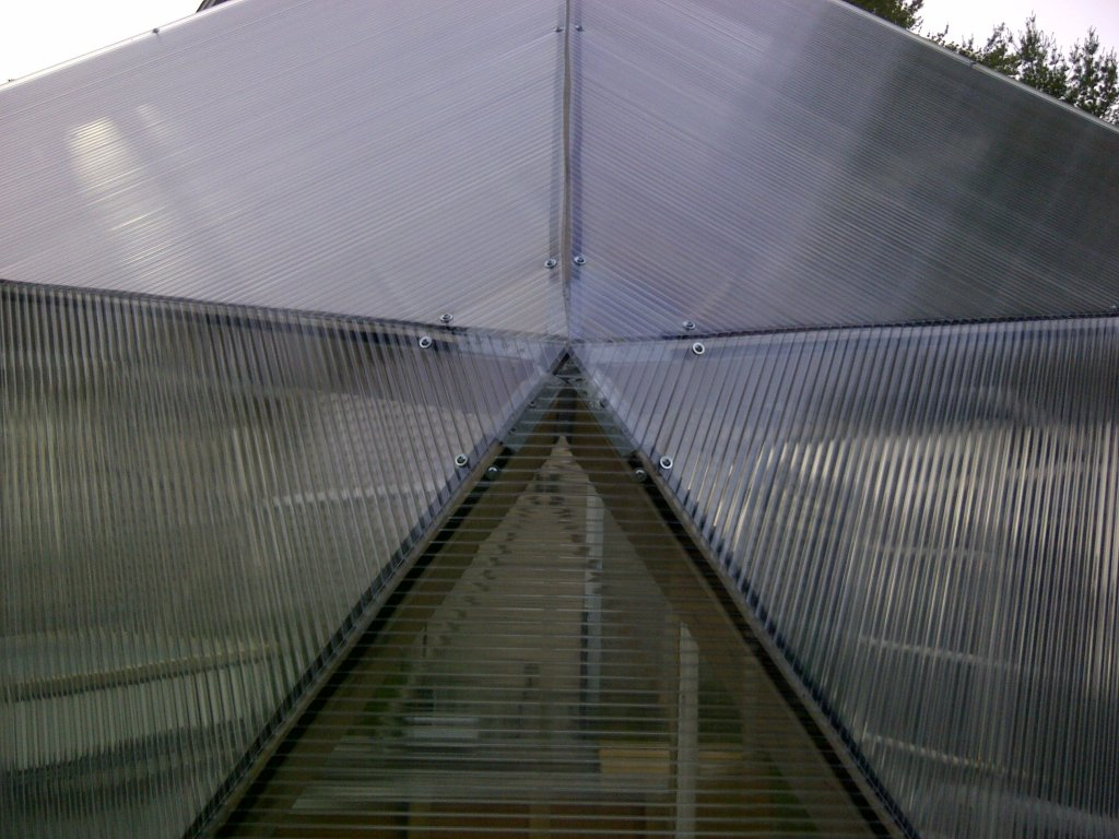 alex 39 s geodesic dome greenhouse polycarbonate day 1. Black Bedroom Furniture Sets. Home Design Ideas
