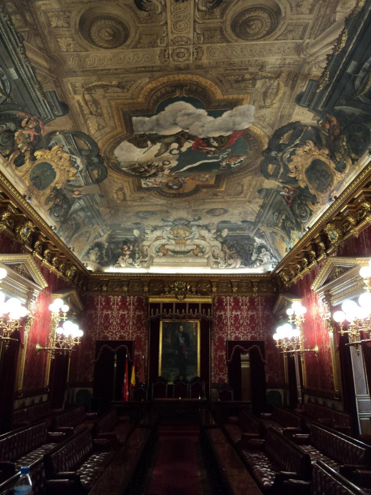 Historia y presente un paseo por el madrid de carlos ii a for Casa la villa