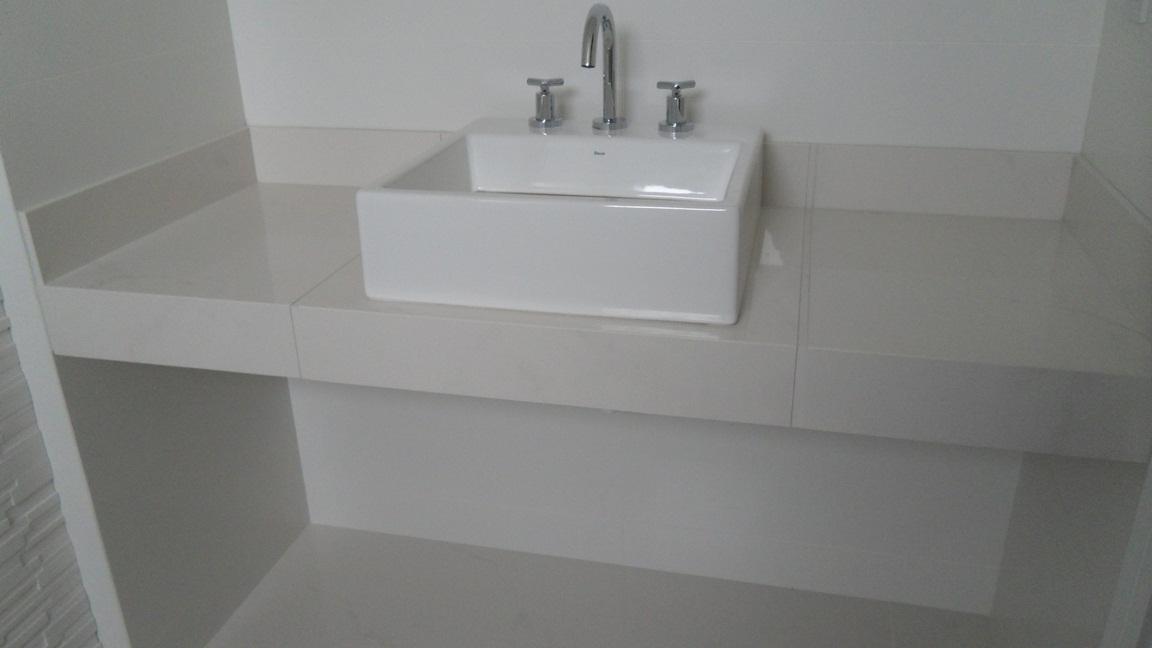 Bel Taglio , cortes especiais em porcelanato Banheiro com nichos moldura sa -> Borda Nicho Banheiro