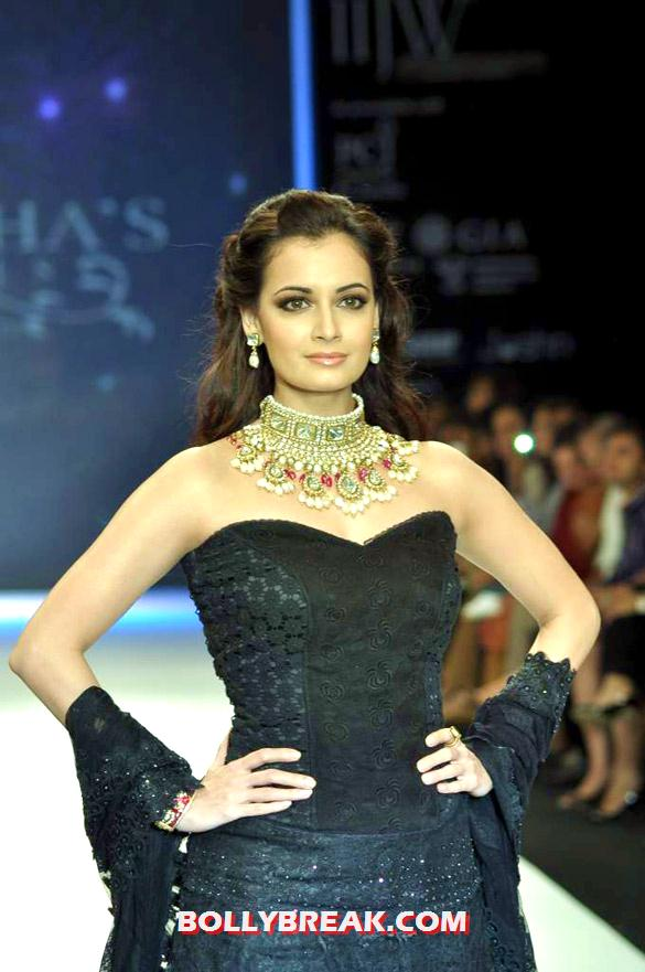 Dia Mirza in black dress at  IIJW 2012 - Dia Mirza  IIJW 2012 Photos - Golecha's Jewels
