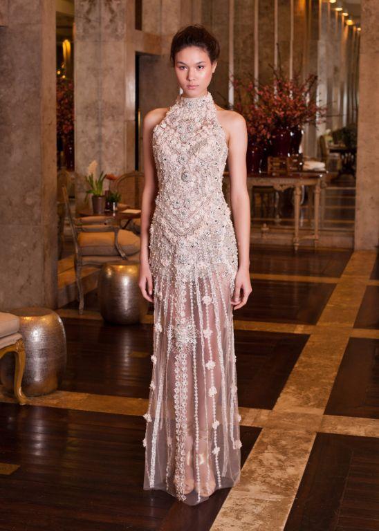 5de38af6a SANDRO BARROS - Os vestidos deste ateliê em São Paulo são um acontecimento.  Desde os modelos mais suaves até os inteiros bordados