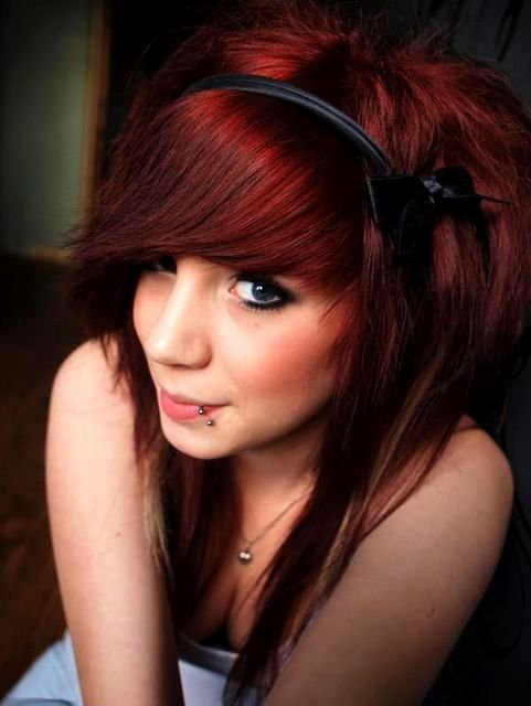 Fashion Hairstyles: How to Style Emo Hair For Girls
