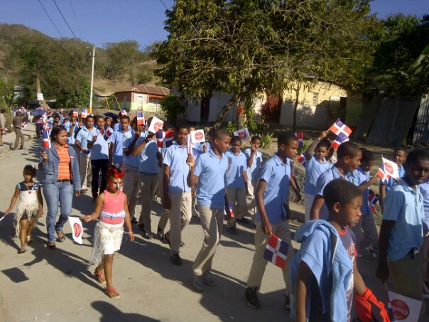 Arroyo Cano celebra acto a la Bandera