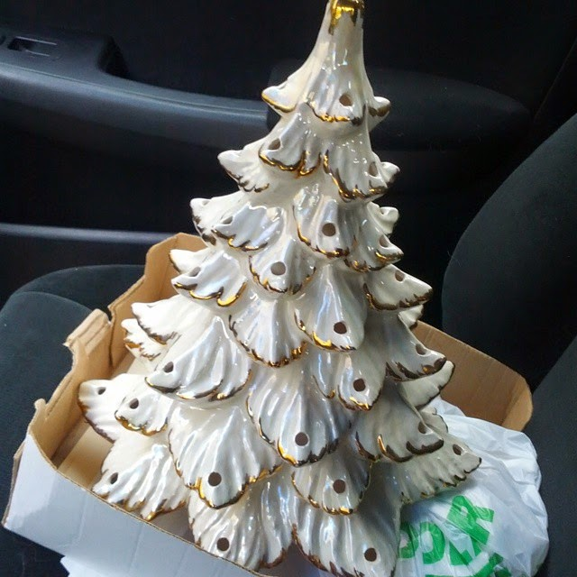#thriftscorethursday Week 45 | Instagram user: tsfinds shows off this Ceramic White Tree with Gold Details