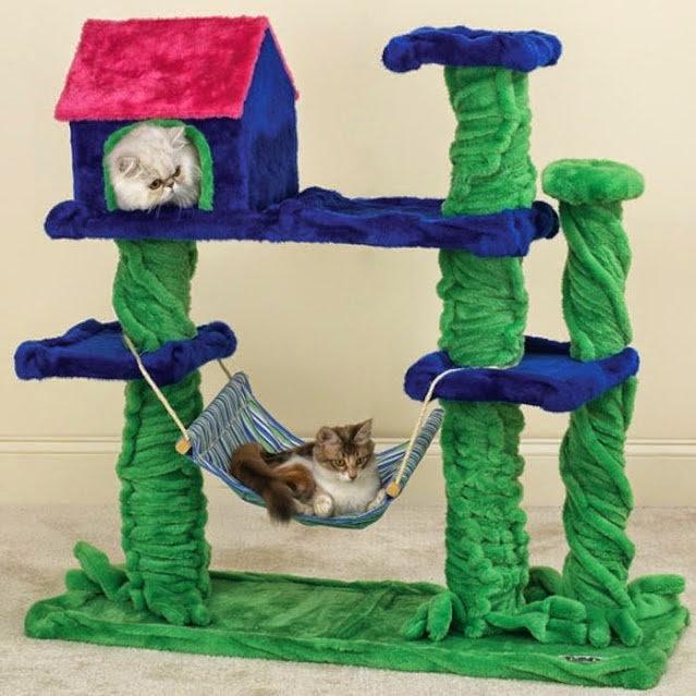 Лежак для кошки из коробки