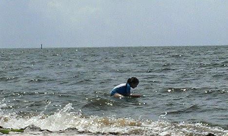 beach surfing 3