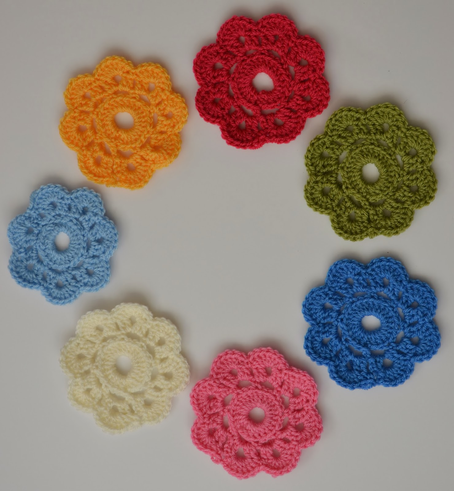 Tadpegs maybelle flowers a fun flower pattern i also wanted to find something to make in those spare 10 minutes i have scattered over the day the kind when its not long enough to get out the sewing bankloansurffo Images