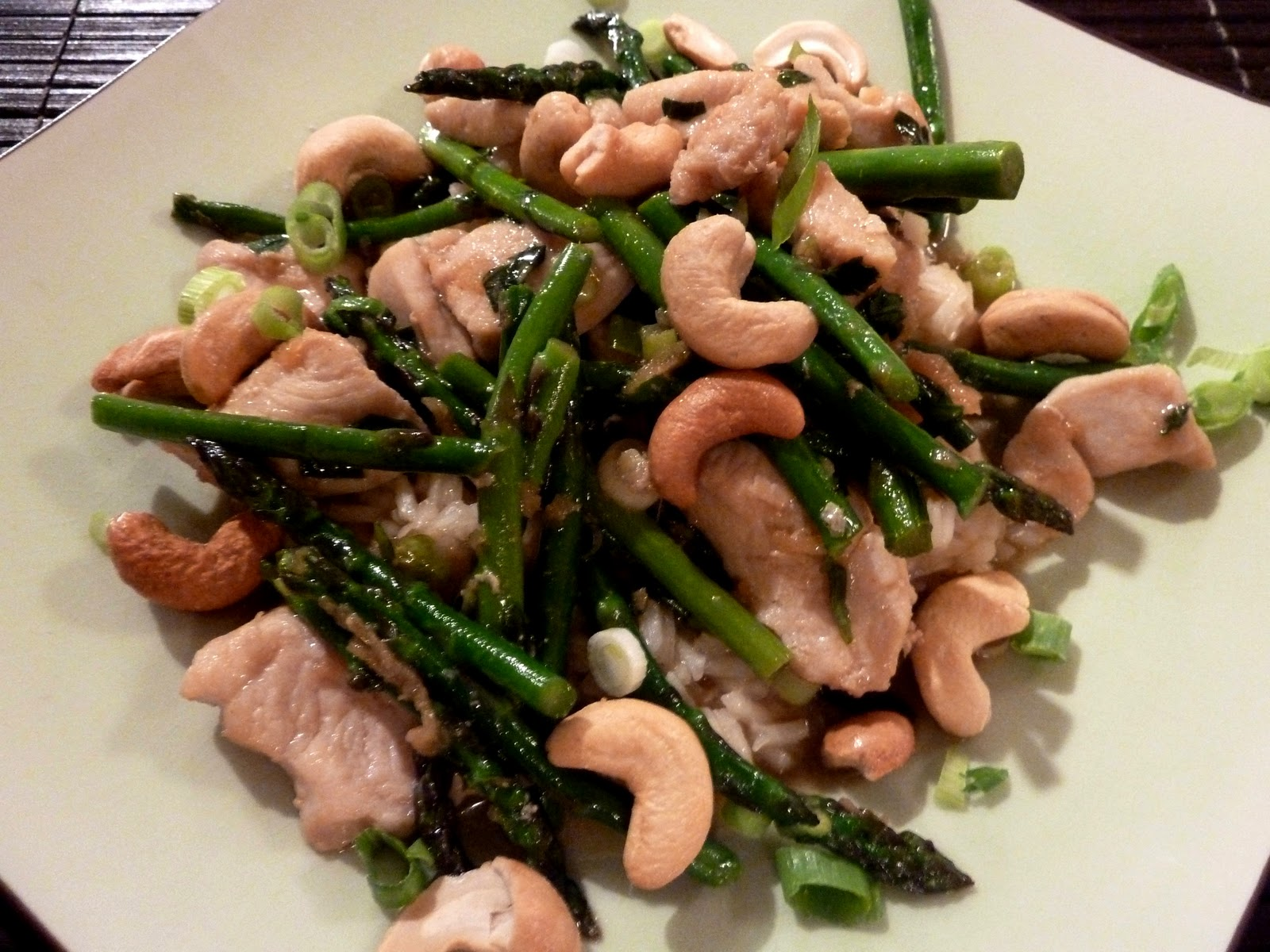 Cracked Pepper: Chicken and Asparagus Stir Fry with Cashews