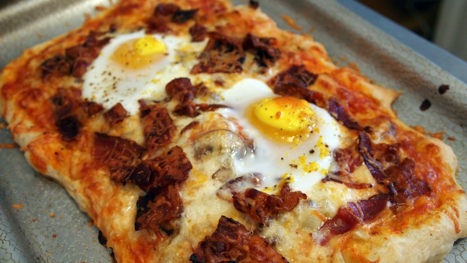 Things I Put In My Mouth: Breakfast Pizza