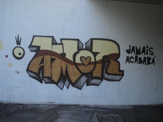 Amor um lugar estranho o verdadeiro amor - Graffitis en paredes ...
