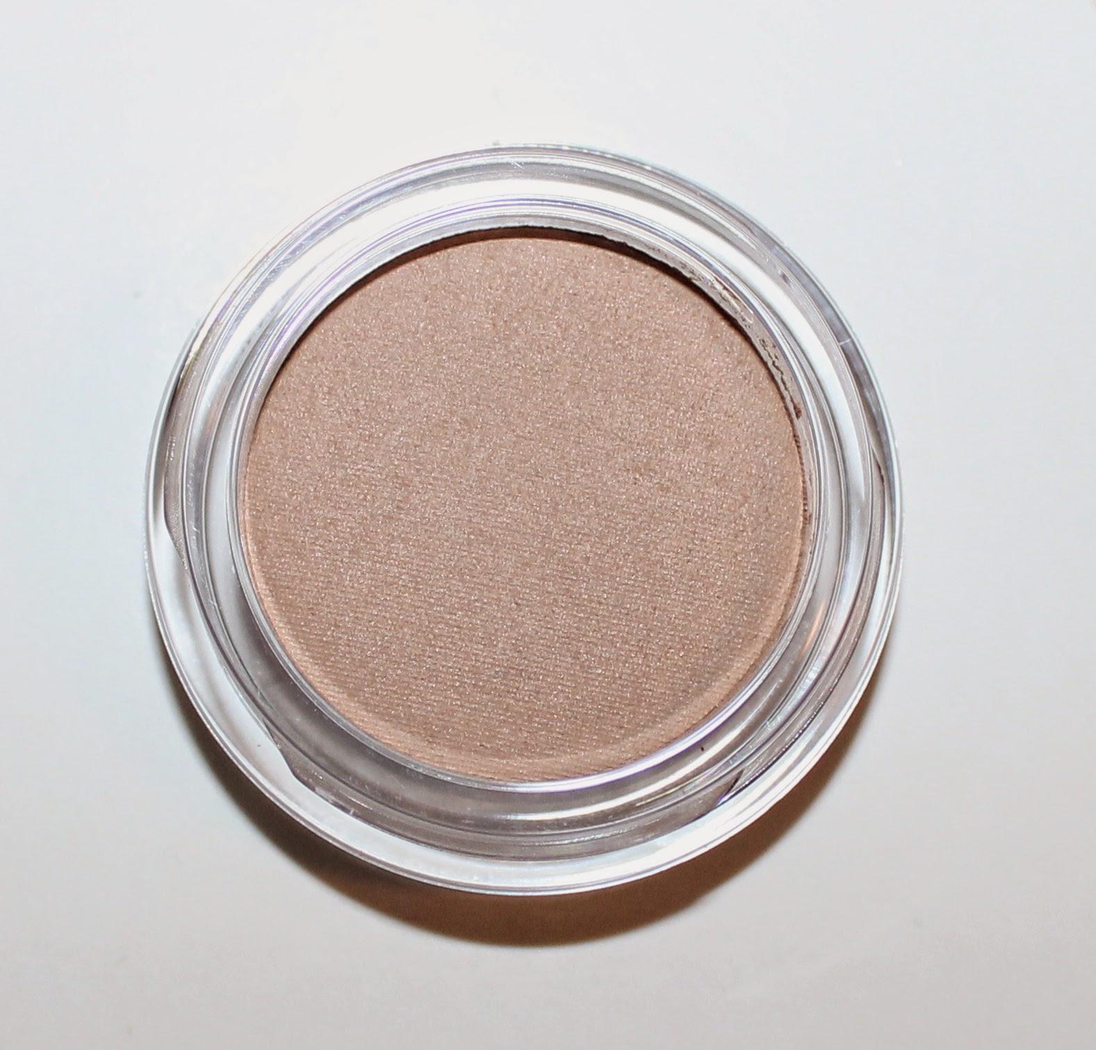 Clarins Ombre Matte Eyeshadow in 01 Nude Beige