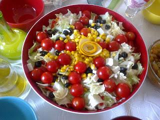şık bir salata sunumu