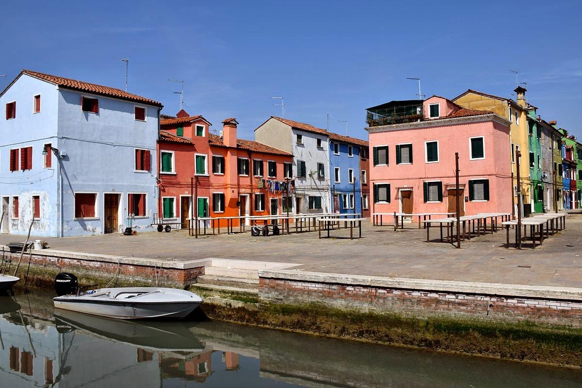 Discettazioni erranti le case colorate di burano - Facciate di case colorate ...