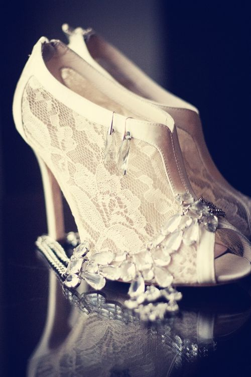 lace vintage wedding shoes