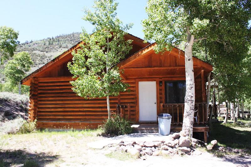 Rental cabins at fish lake utah cedar 4 person deluxe for Fishing cabin rentals