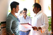 Akhil Movie Stills-thumbnail-8