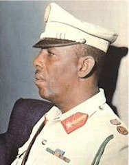 mahamed siyad bare==he enrolled in the Italian colonial police as a Zaptie in 1940