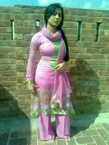 bollywood69   desi indian girl in tight salwar kameez and showing
