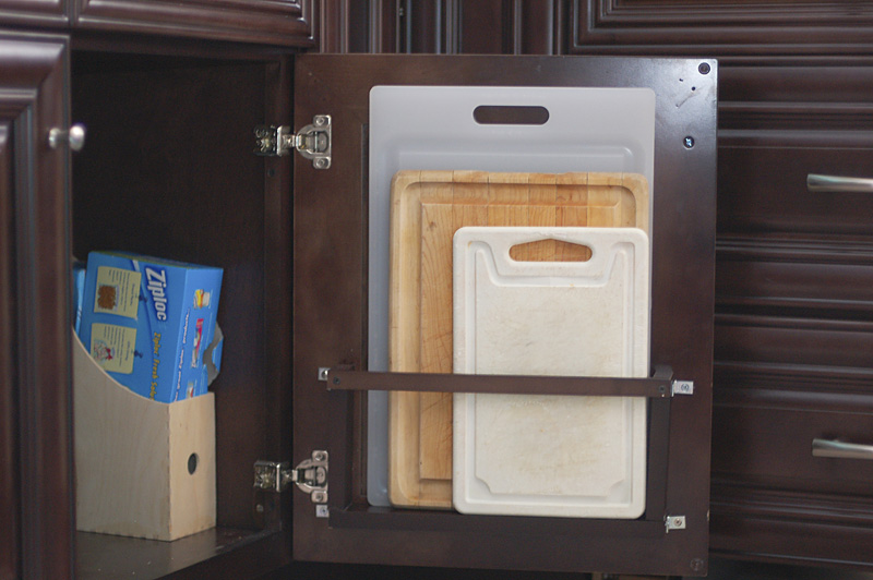 Organizing the kitchen cabinetry