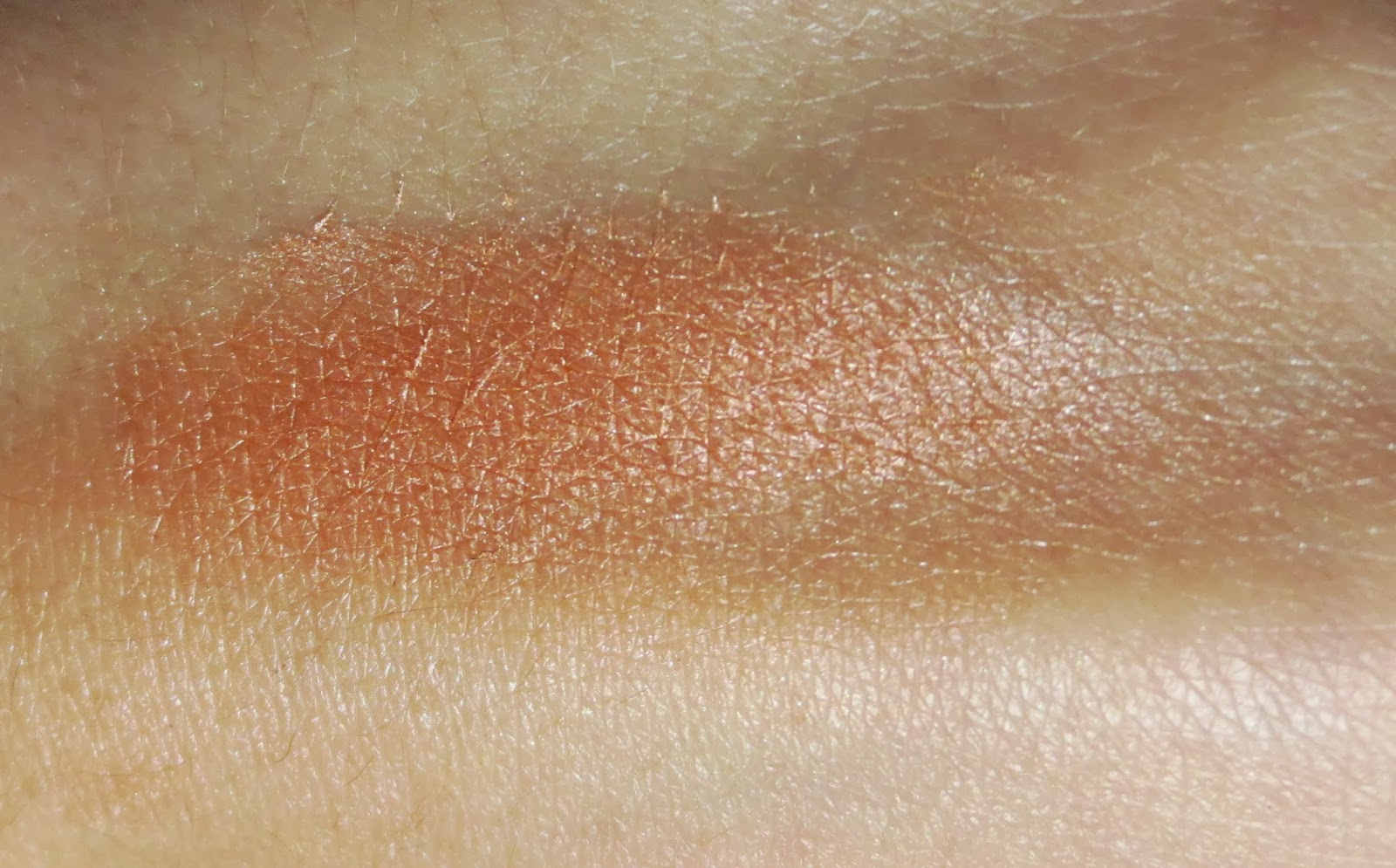 Maybelline Master Hi-Light in Coral Swatches