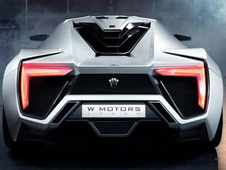Bahagian belakang kereta sport W Motors Lykan Hypersport.