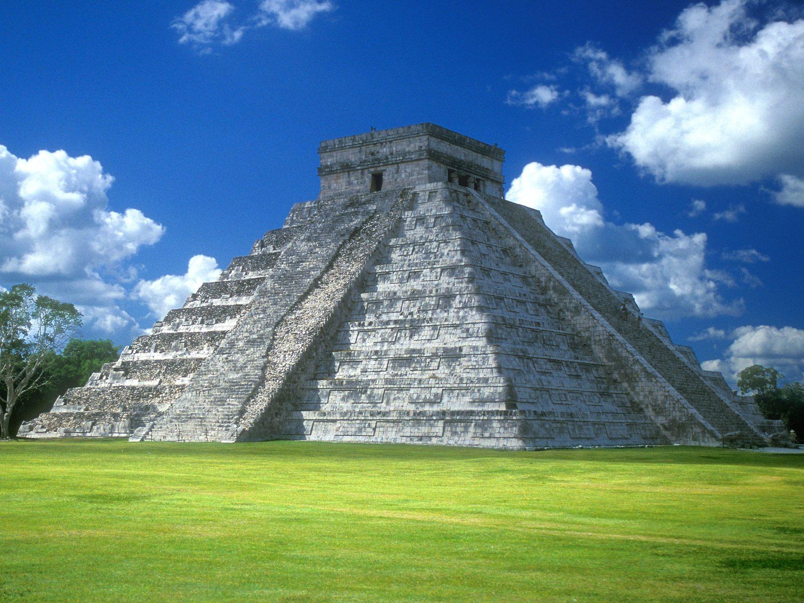 http://3.bp.blogspot.com/-h6WndfVP0Uw/T_Eg30qgP0I/AAAAAAAAEU0/tvrHzUHOgv8/s1600/Pyramid+of+Kukulkan,+Chichen+Itza,+Yucatan+Peninsula,+Mexico.jpg