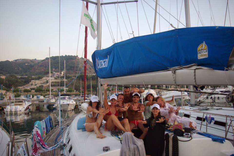 http://www.cabincharter.it/eolie_imbarco_singolo_individuale_lipari_barca.html