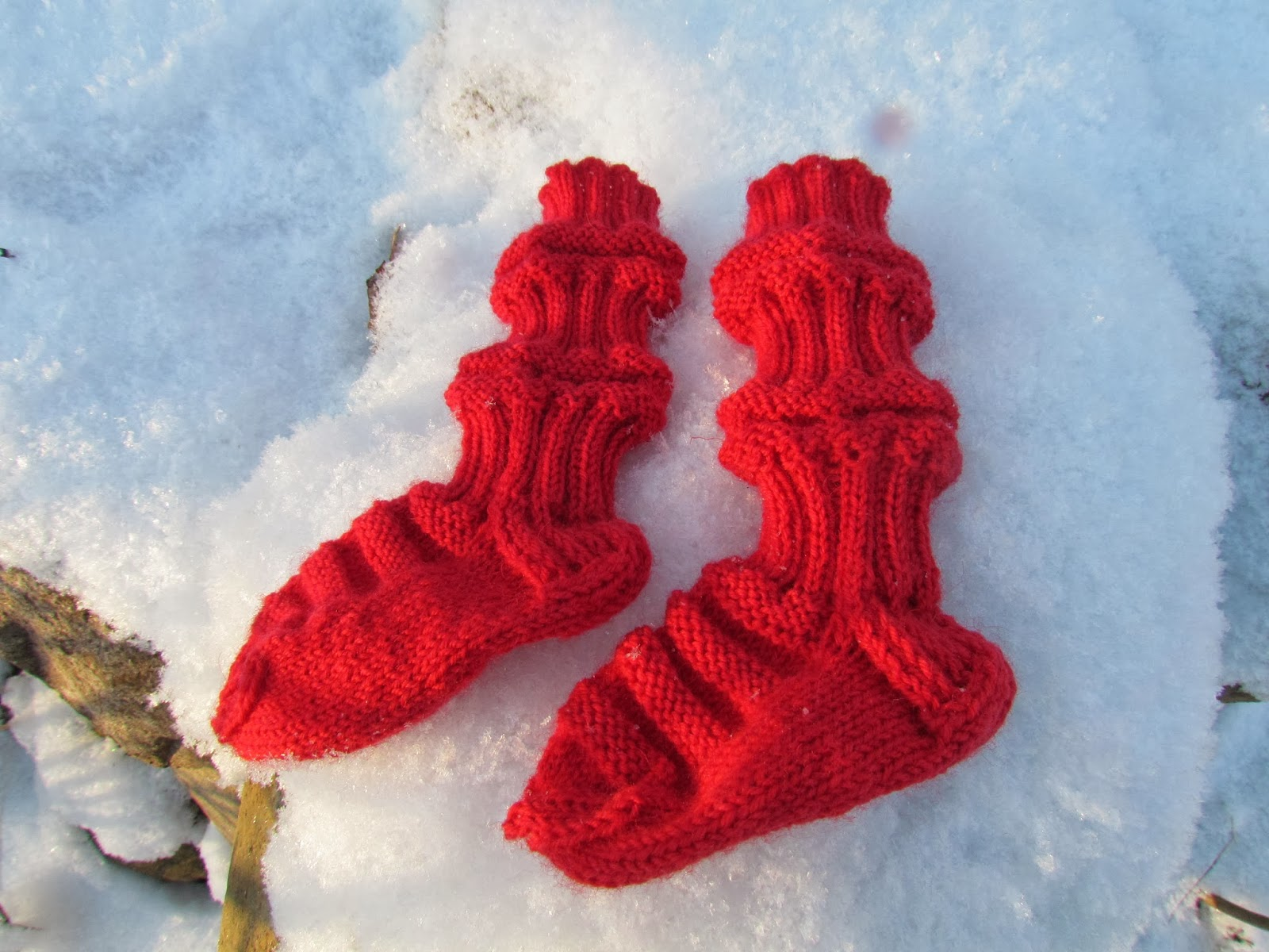 Knitting Slippers For Charity : Kotkarankki train socks and other charity knitting