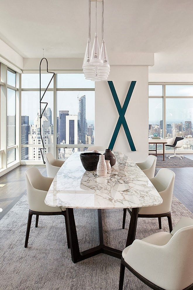 Dining table in Modern apartment by Tara Benet in New York