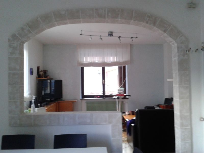 Davanzale termico prolunga soglia - Archi mattoni vista in cucina ...