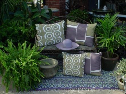 Cojines en el jard n ideas para decorar dise ar y for Cojines jardin
