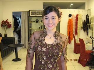 GRADUATION, SANGGUL MODERN, HAIRDO MODERN, PROFESSIONAL MAKEUP HAIRDO