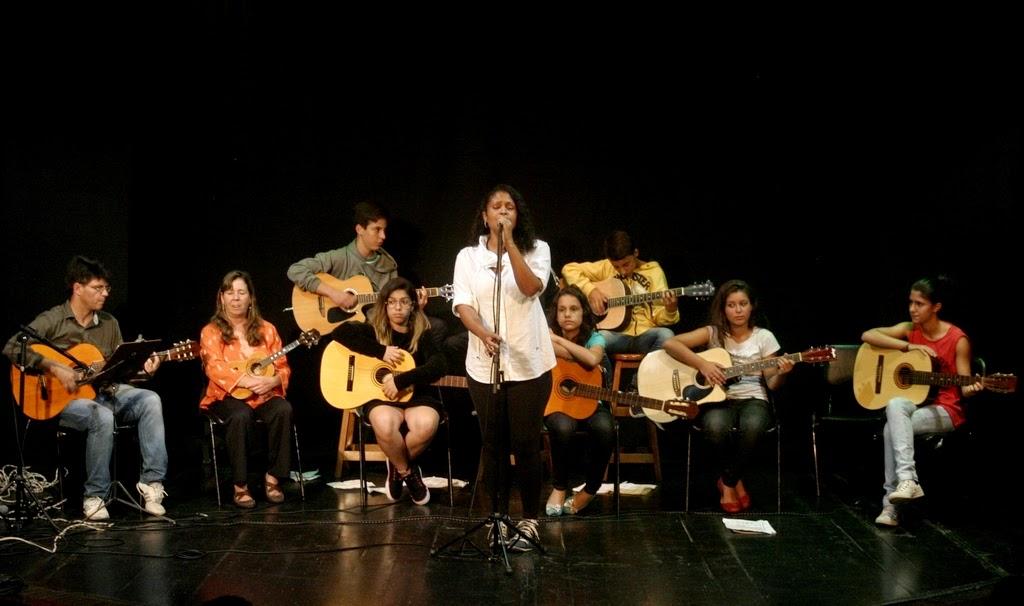 A apresentação dos alunos de Geremias Cruz teve ainda a participação especial da cantora Martha Rocha