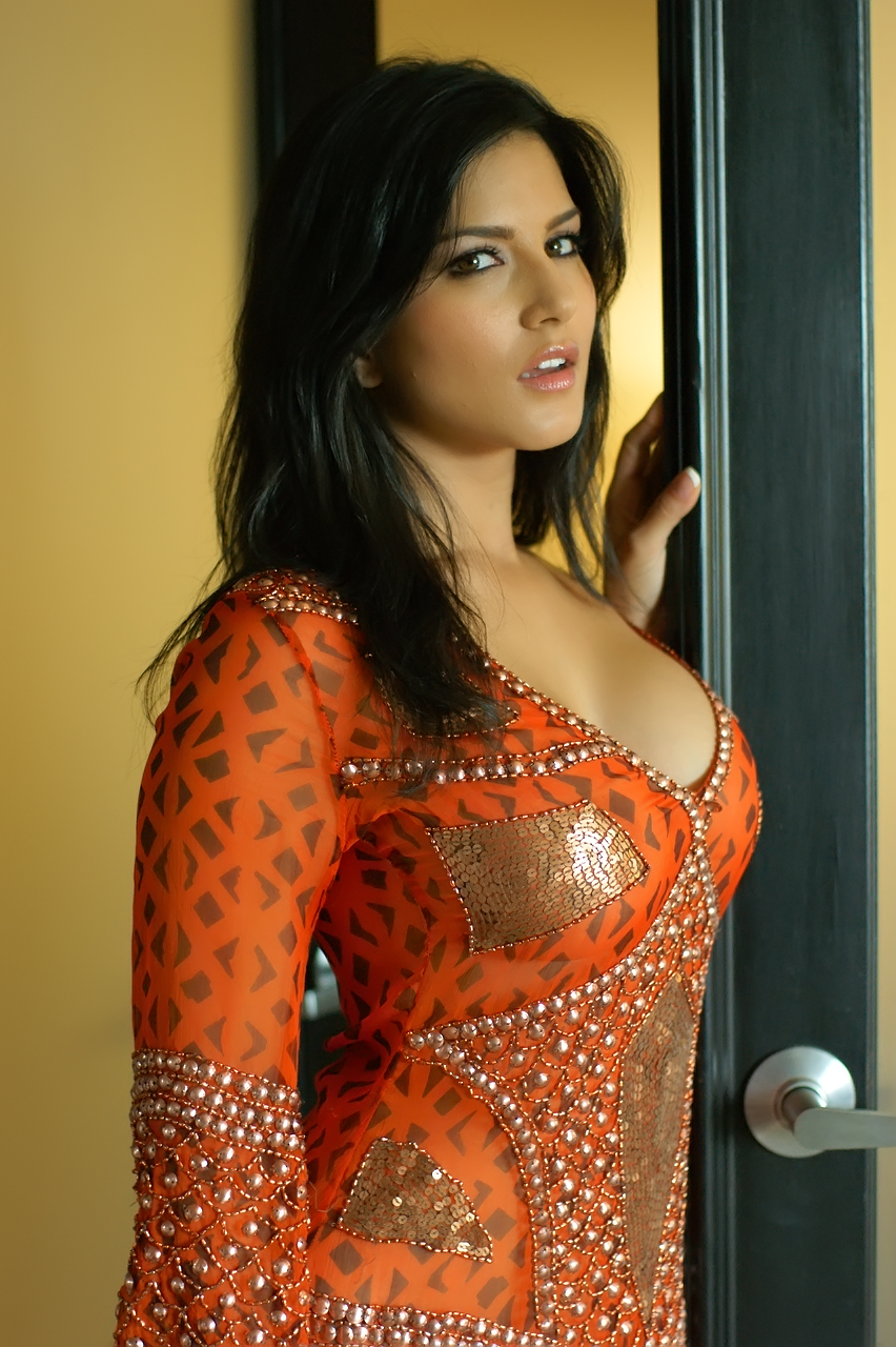 More From : | bolly | model | sunny leone |