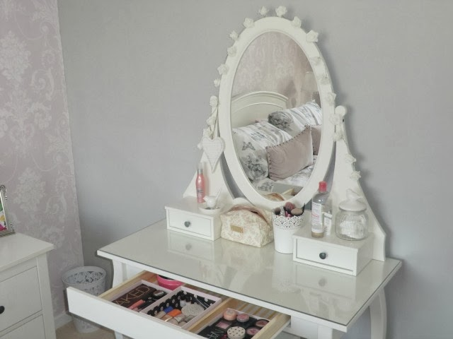 Ikea Schuhschrank Dunkelbraun ~ My Ikea Hemnes Dressing Table & Make Up Storage by Catherines Loves on
