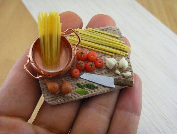 Spaghetti, miniature food sculptures,5 stars