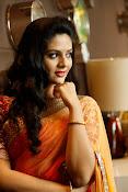 Sri Mukhi glamorous photo shoot-thumbnail-2