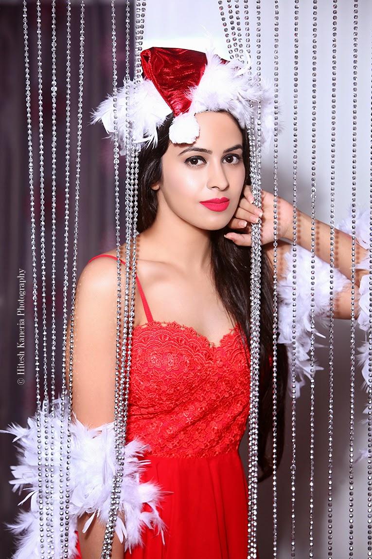 Shobhita Rana Santa Look Photos