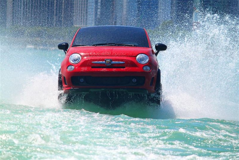 Swimming Fiat 500 Abarth