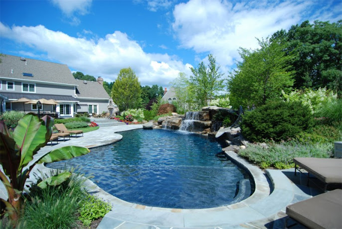 #8 Outdoor Swimming Pool Design Ideas