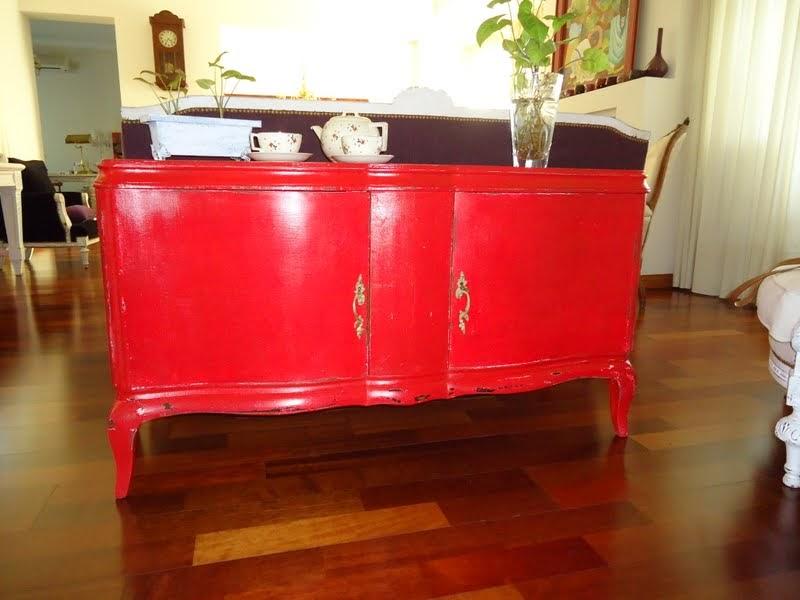 Vintouch muebles reciclados pintados a mano for Muebles rojo