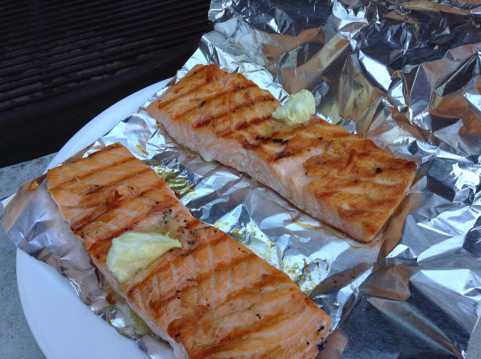 Pure foods project perfect grilled salmon show and you can see a few millimeters of cooked salmon from the side view use a spatula to gently move the fish without turning it to a layer of tin foil ccuart Gallery