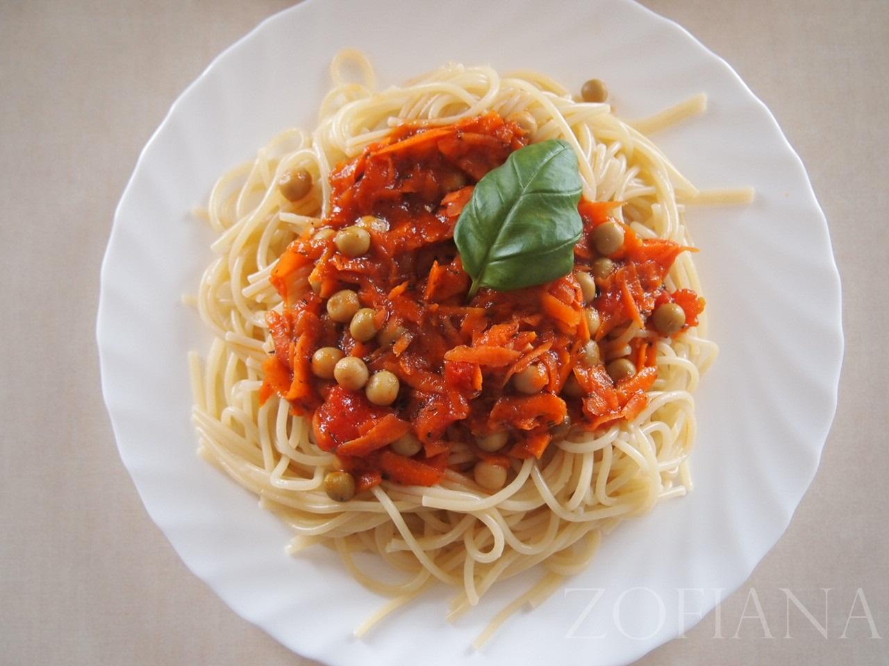 spaghetti carotts peas