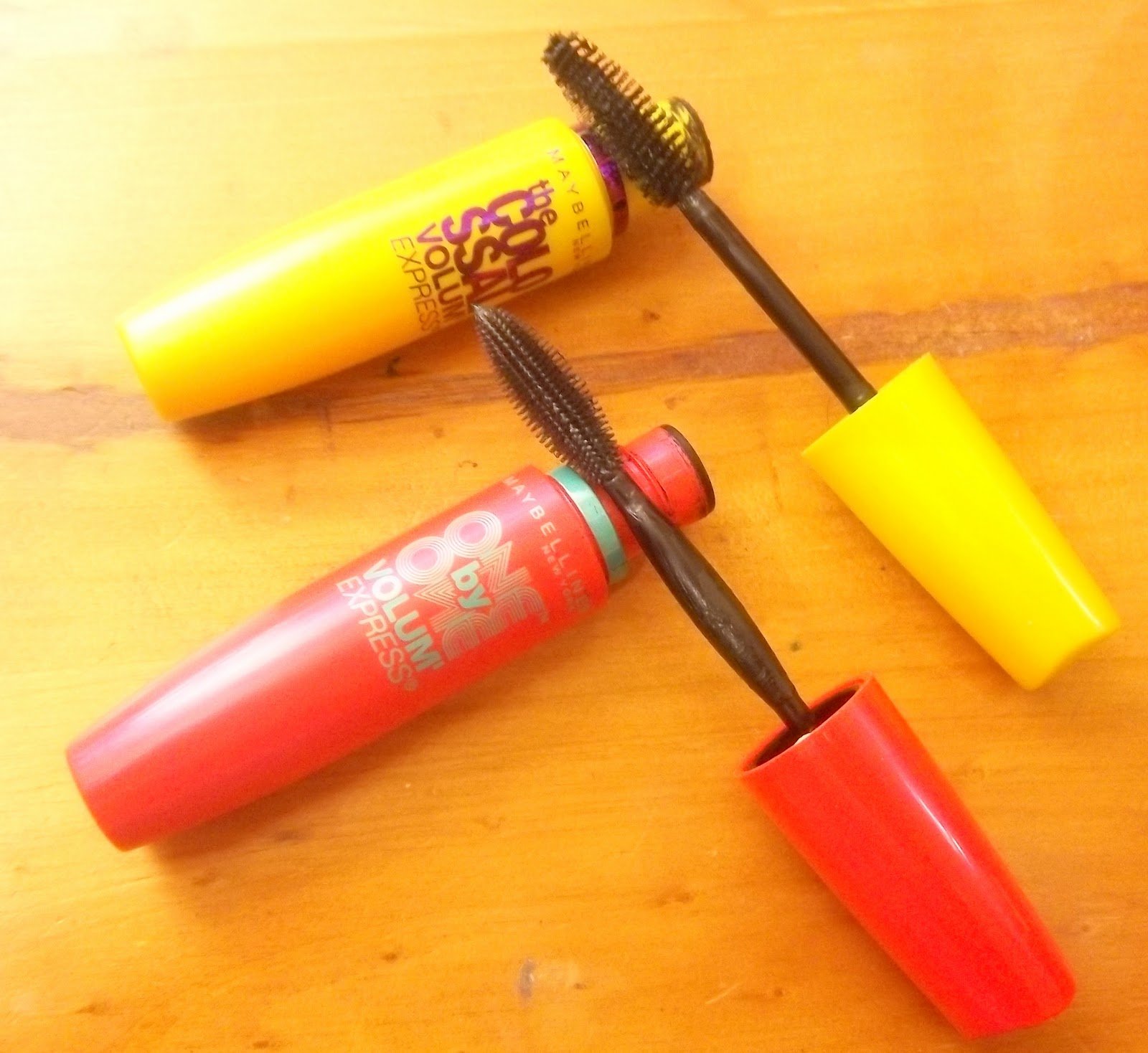 REVIEW: Maybelline One By One Volum Express Mascara (Vs Colossal ...