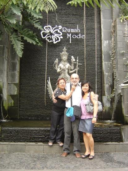 Con la familia en Bandung