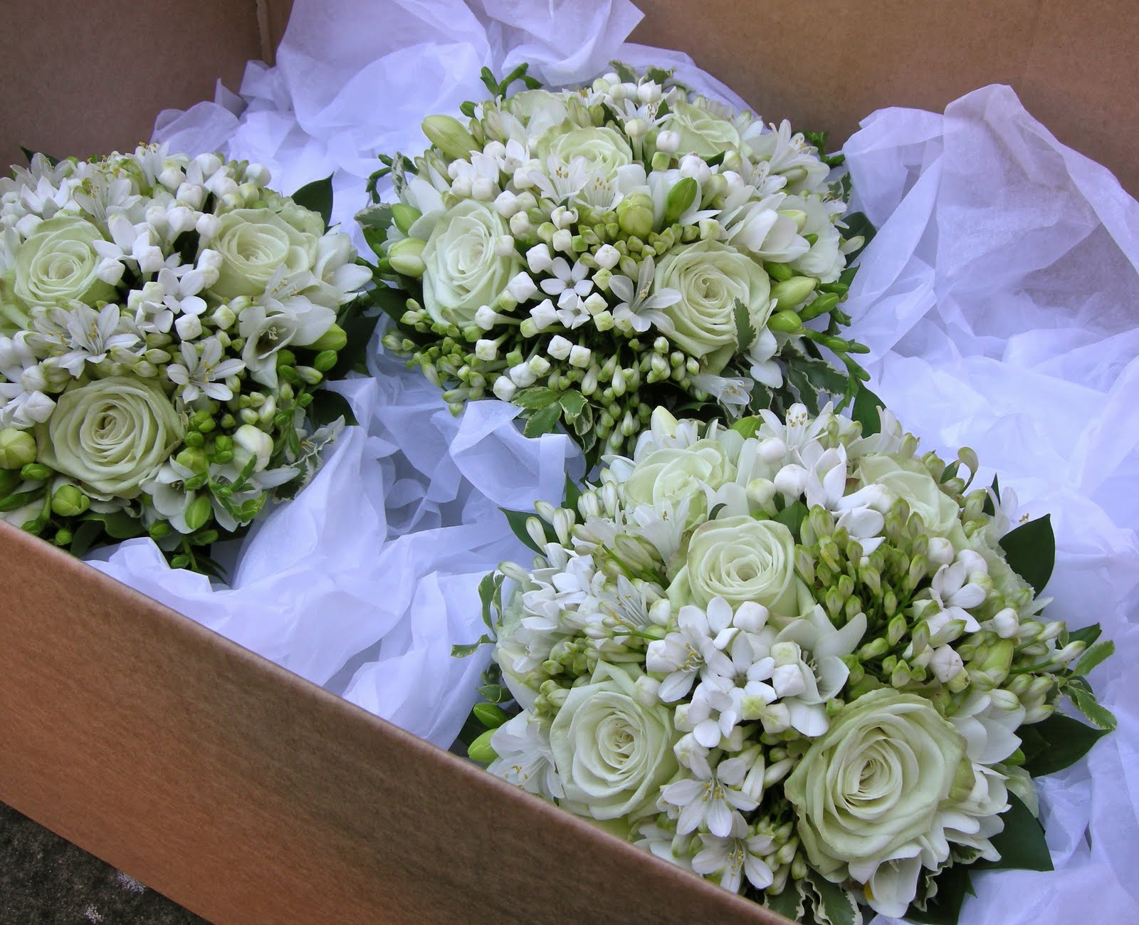 Wedding Flowers Blog Alisons Pale Green And White Wedding Flowers Potters Heron Ampfield