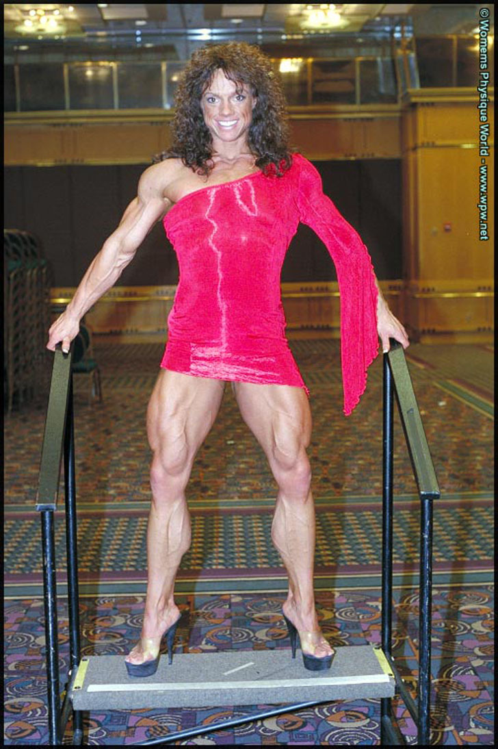 Sheila Bleck Flexing Her Shredded Quads And Calves In Heels