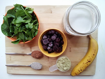 http://www.onesmileymonkey.com/recipes-2/toddler-approved-blueberryspinach-smoothie-recipe/